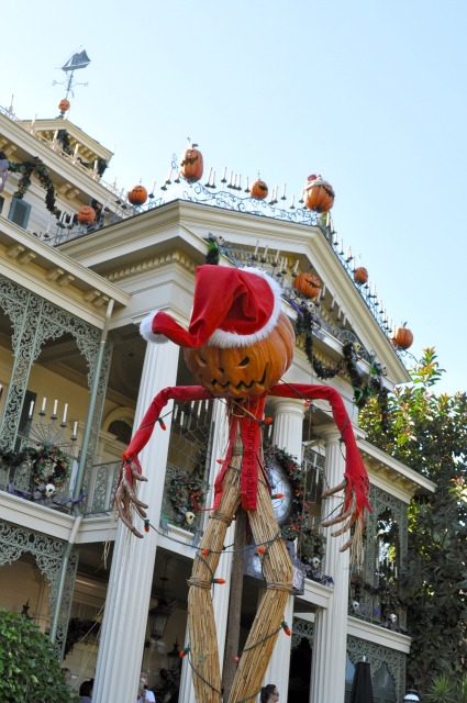 Jack Skellington and the Haunted Mansion Holiday