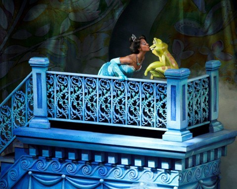 Histoire en images Tiana-and-Frog-Low-Res-480x384