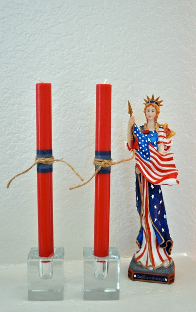 Quick and Easy 4th of July Candles - Simple Sojourns.jpg