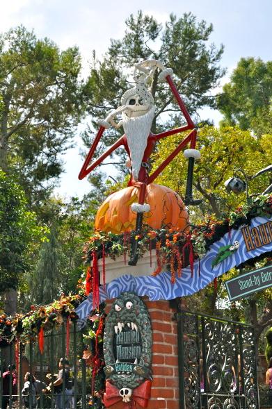 Disneyland-Halloween-Time-25-1