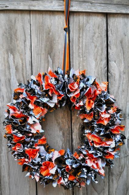 Diy Fabric Halloween Wreath Tutorial Simple Sojourns