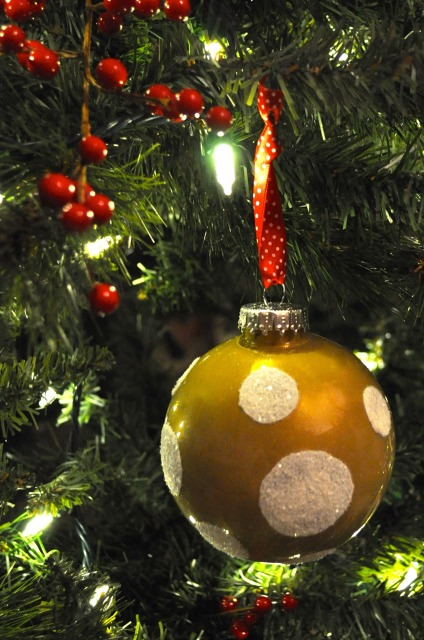 Hand Painted Christmas Ball Ornament | Simple Sojourns