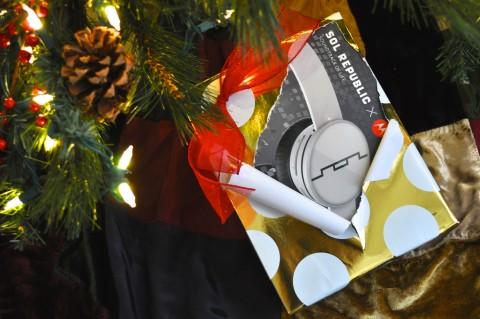 Sol Republic Tracks Air Wireless Headphones - Simple Sojourns