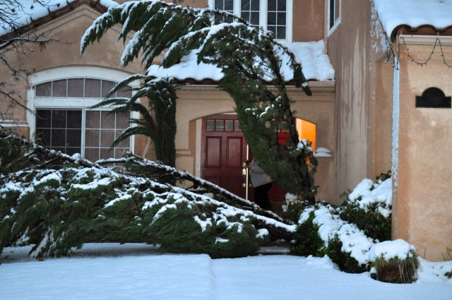 House Snow Damage - Simple Sojourns