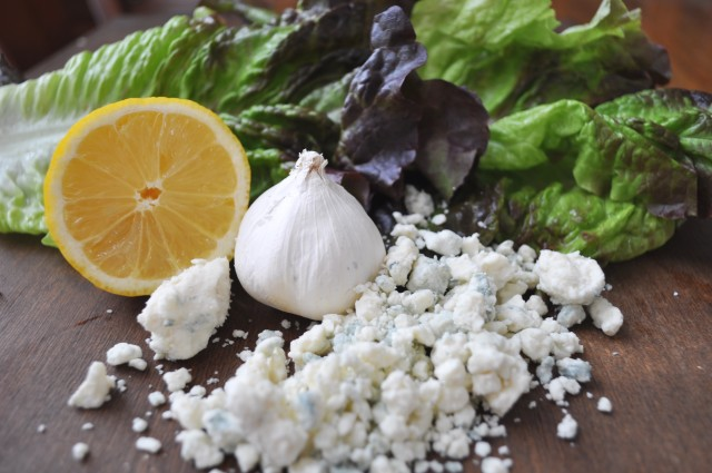 Chunky blue Cheese Salad Dressing (1)