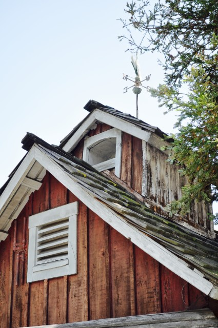 Old Barn - Simple Sojourns
