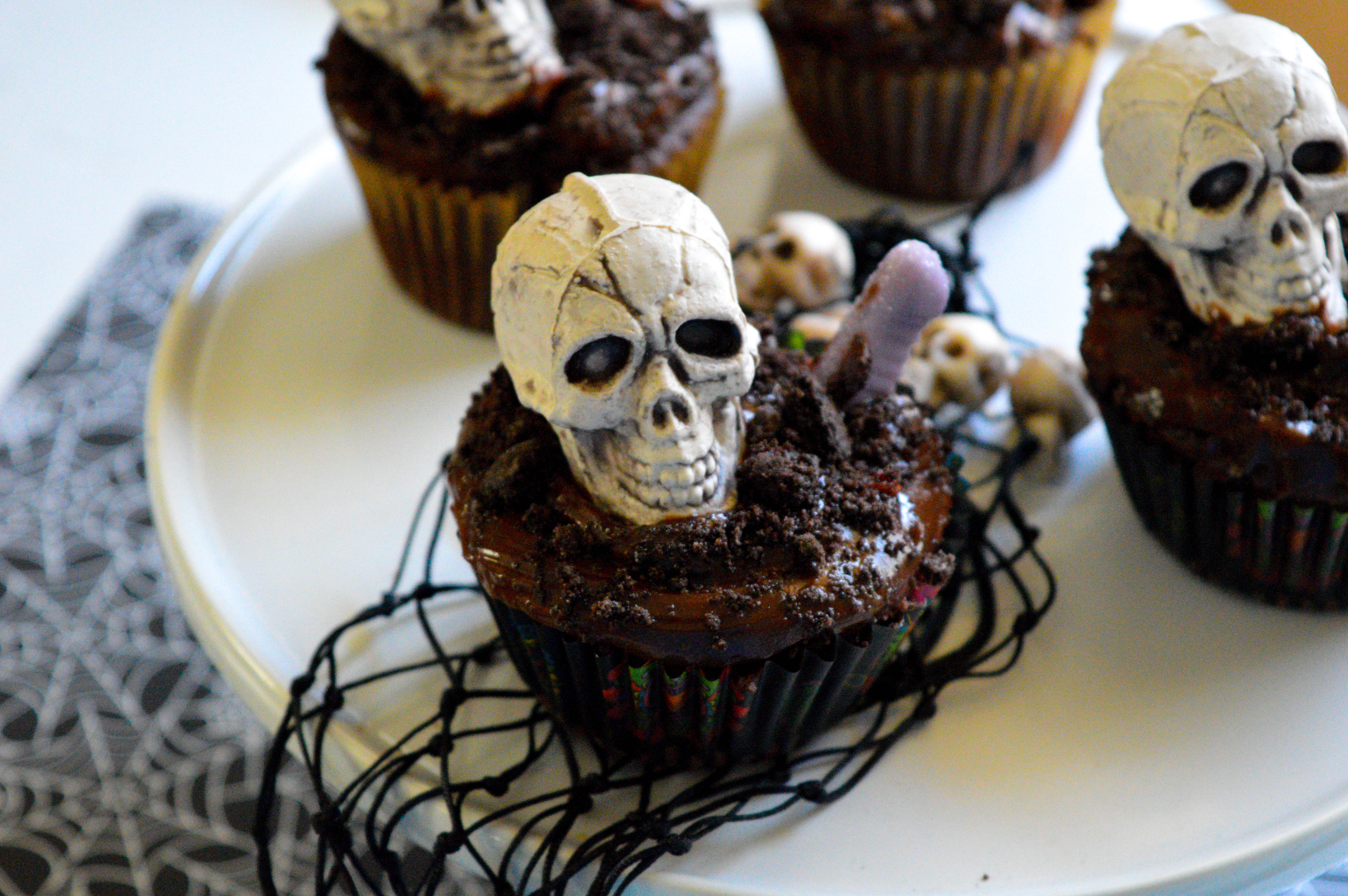 Spooky Halloween Graveyard Cupcakes