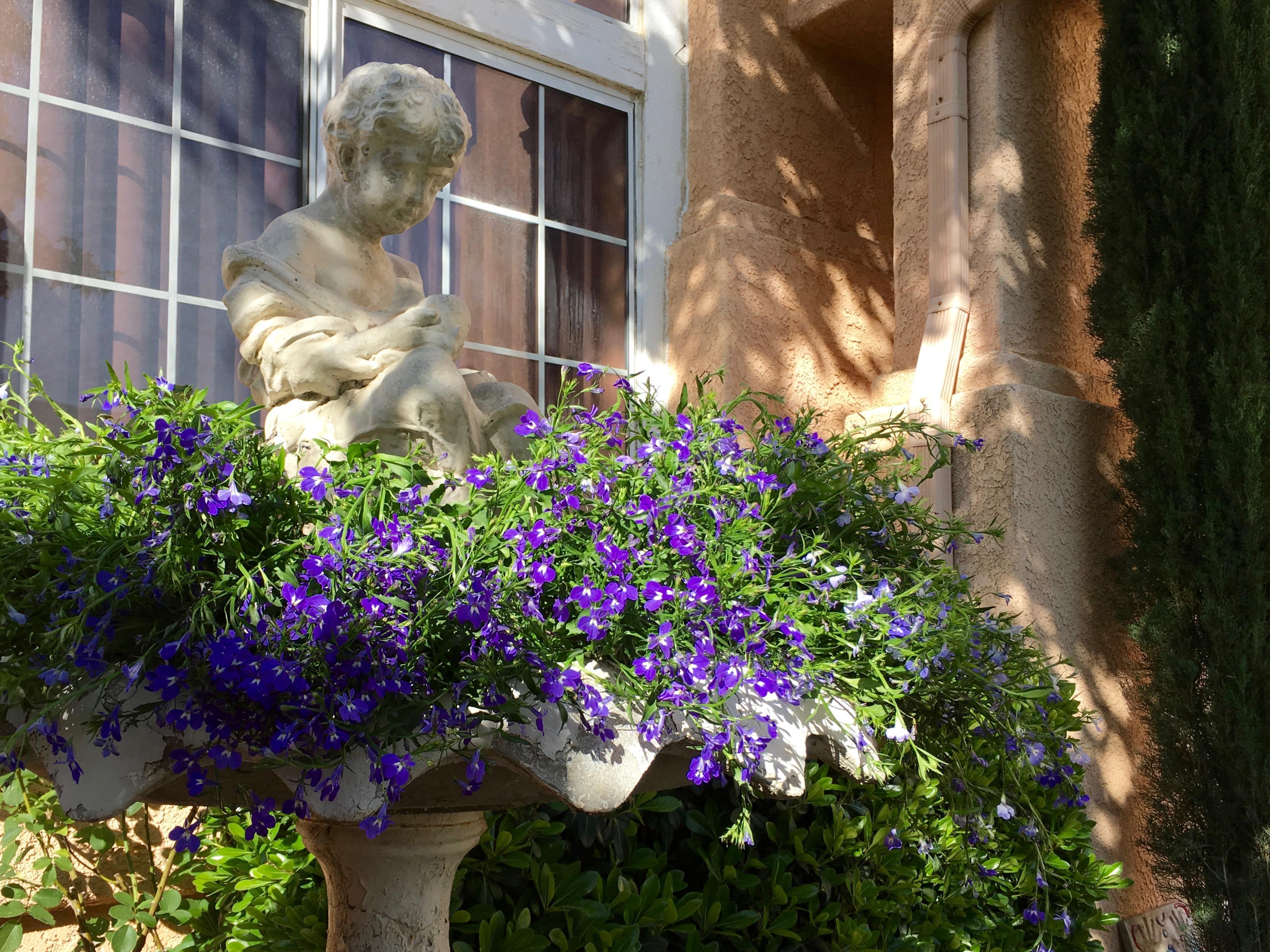 DIY Birdbath Flower Garden